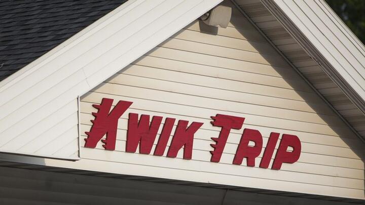 Cover for Kwik Trip buys Darien Food Market