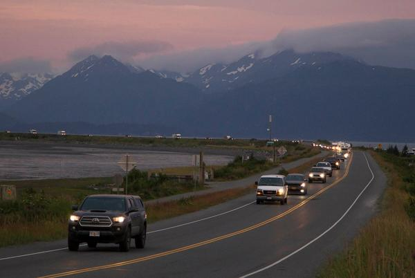Picture for Alaska quake produces prolonged shaking, prompts tsunami warning