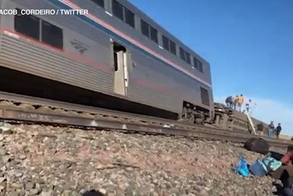 Picture for 3 dead after a cross-country Amtrak train that originated in Chicago derails in Montana: officials