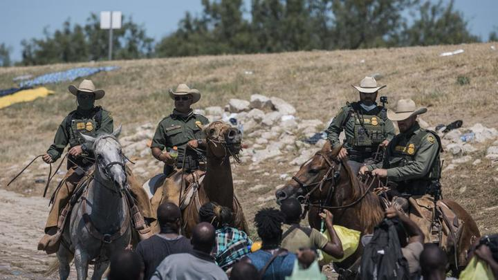 Cover for US launches mass expulsion of Haitian migrants from Texas