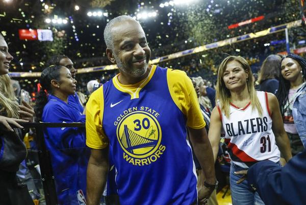 Picture for Steph Curry's Mom Sonya Files For Divorce From Dell Curry After More Than 30 Years Of Marriage