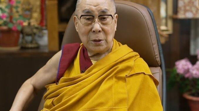 Picture for Dalai Lama greets Mongolia's President-elect