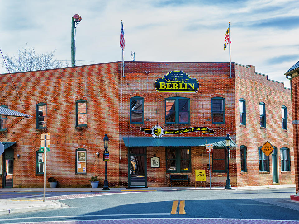 Berlin Council Members Question Mayors Proposed Flat Tax