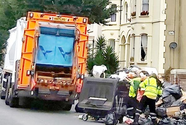 Picture for Bin lorry drivers vote to accept council offer and suspend strike
