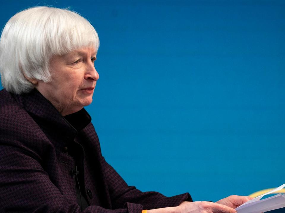 yellen-says-interest-rates-may-have-to-rise-somewhat-to-keep-economy-from-overheating