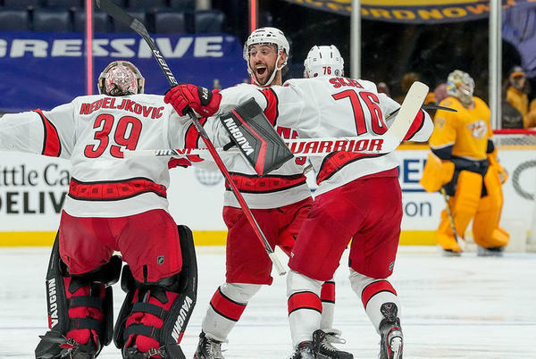 Picture for Hurricanes troll Predators on Twitter after winning 1st-round series