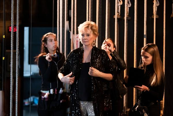"""Picture for Emmy Winner Jean Smart Teases 'Hacks' Season 2: We Will Be """"Exploring Her Relationship With Her Sister"""" & Action Will Be LA-Based"""