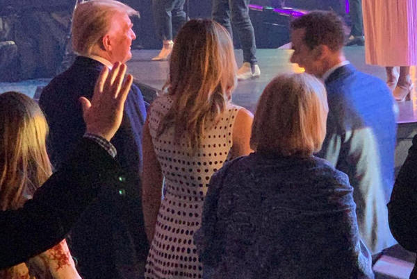 Picture for Trump, Melania met with cheers at Easter church service in Florida