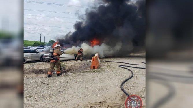 Picture for Crews extinguish fire involving multiple cars in Fort Myers