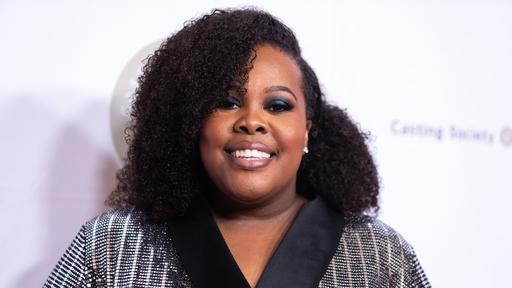 Glee Star Amber Riley Powerfully Sings Freedom At Black Lives Matter Protest News Break