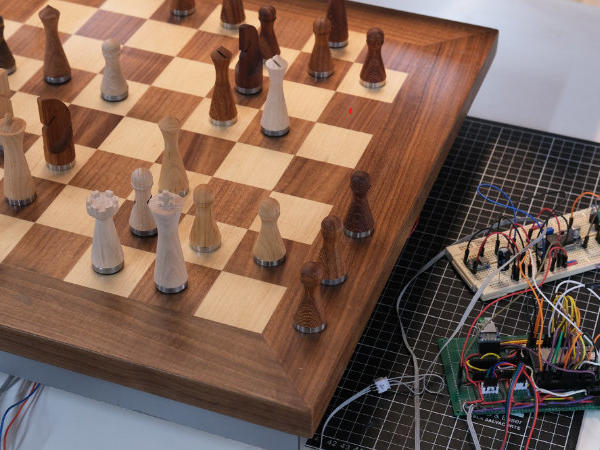 make-your-own-arduino-robotic-chessboard