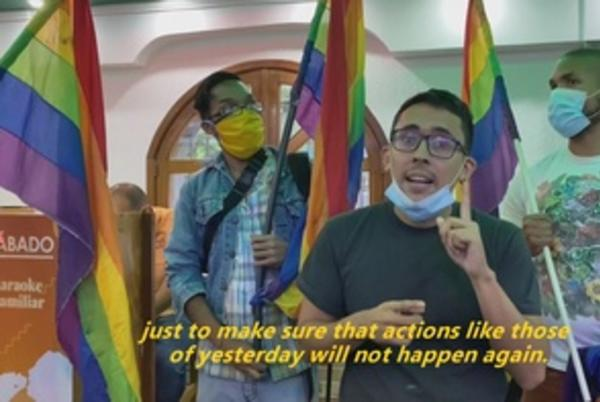 Picture for Activists protest 'discrimination' against gay couple in Caracas pizzeria