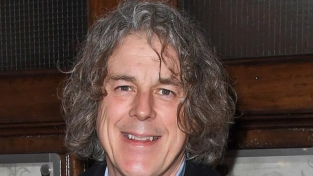 Picture for QI star Alan Davies accuses the BBC of encouraging comedians to self-censor to avoid a backlash and fears comics will shy away from voicing strong views