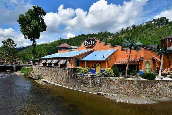 Picture for Top 8 Restaurants in Pigeon Forge and Gatlinburg with Gluten Free Options