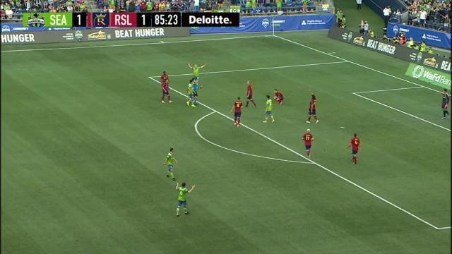 Picture for MLS League   PENALTY FOUL: Anderson Julio, Real Salt Lake - 86th minute