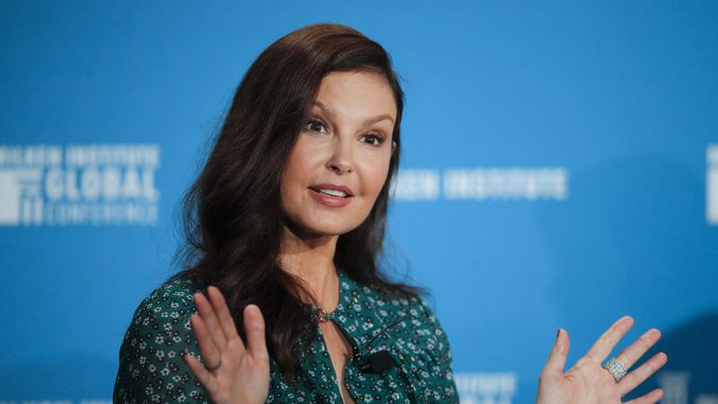 Picture for Ashley Judd walks again long after shattering leg in Africa