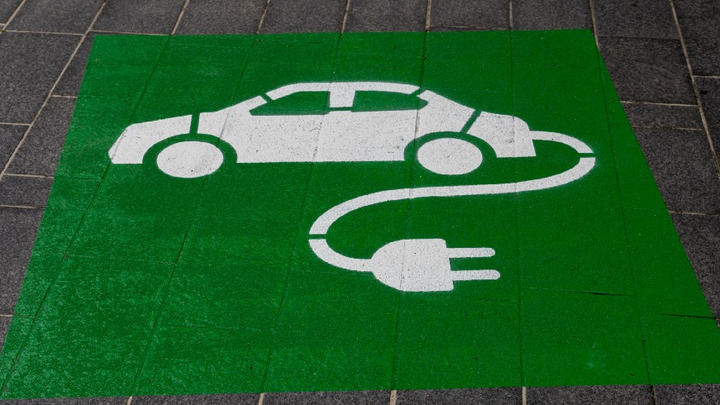 Cover for 1 easy to overlook challenge with owning an electric car