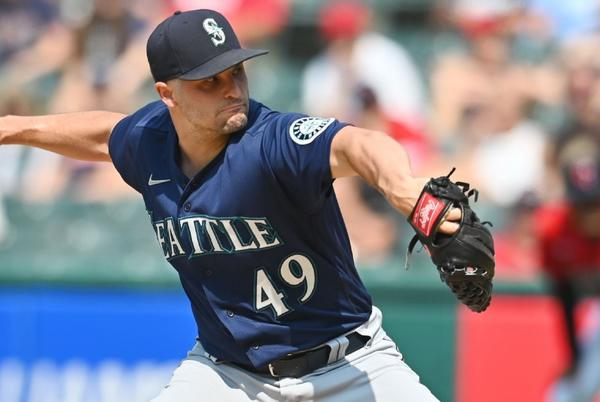 Picture for Houston Astros bolster bullpen, get Seattle Mariners' Kendall Graveman in four-player trade