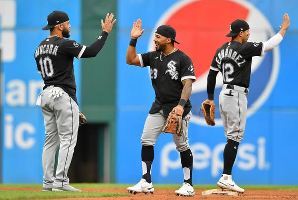 Picture for White Sox Finally Clinch With 7-2 Win Over Cleveland