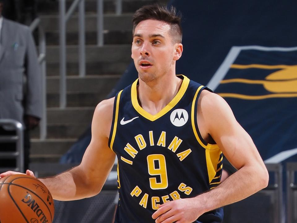 t-j-mcconnell-sets-unique-50-year-nba-record-continues-stellar-bench-play-for-pacers