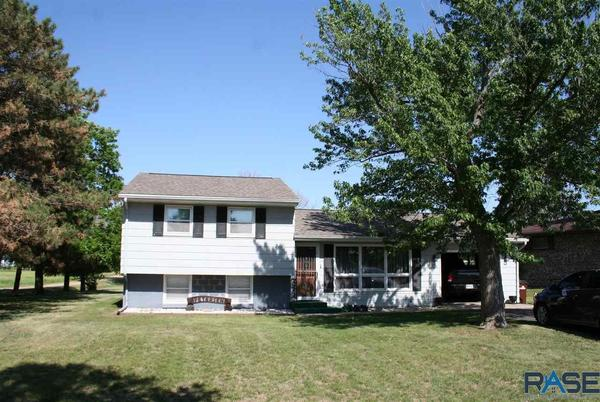 Picture for Take a look at these homes on the market in Mitchell