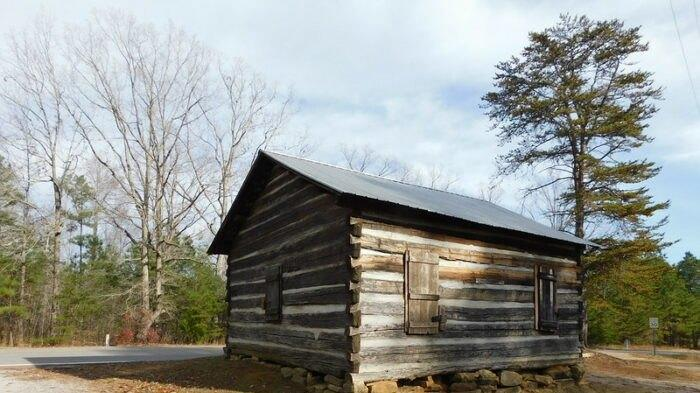 Picture for One Of The Oldest Churches In Alabama Dates Back To The 1840s And You Need To See It