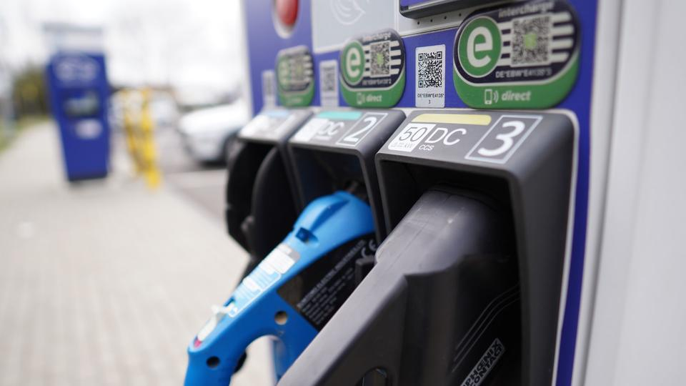Picture for Save up to $0.02 per gallon - survey shows cheapest gas station in Stuart
