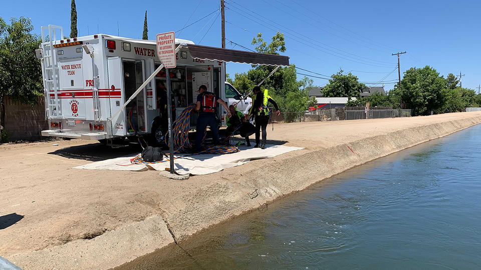 Picture for Dive and rescue teams searching for person inside central Fresno canal