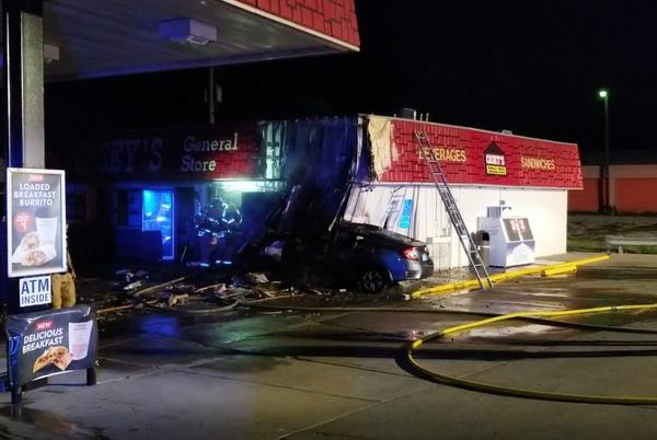 Picture for Car hits convenience store in Beatrice