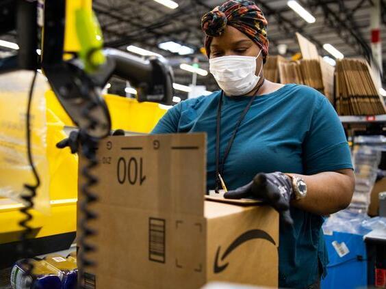 amazon-plans-to-hire-7500-workers-across-arizona-newsbreak