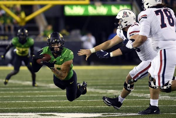 Picture for Photos: No. 3 Oregon Ducks outlast Arizona Wildcats in Pac-12 opener