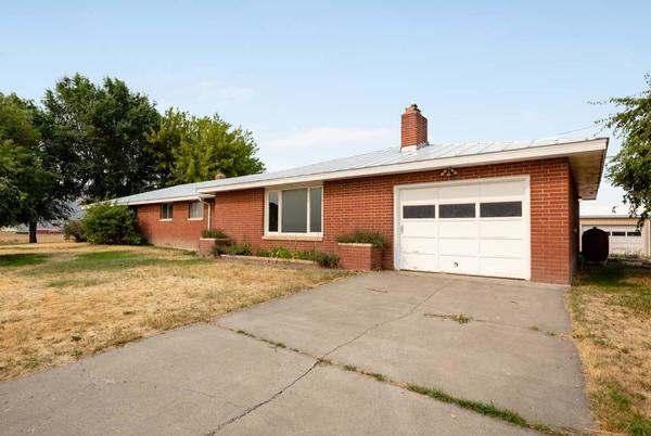 Picture for Check out these homes on the Klamath Falls market now