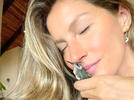 Picture for Gisele Bündchen and Her Kids Save Baby Hummingbird from Nearly Being Swept to Sea: 'Magical Day'