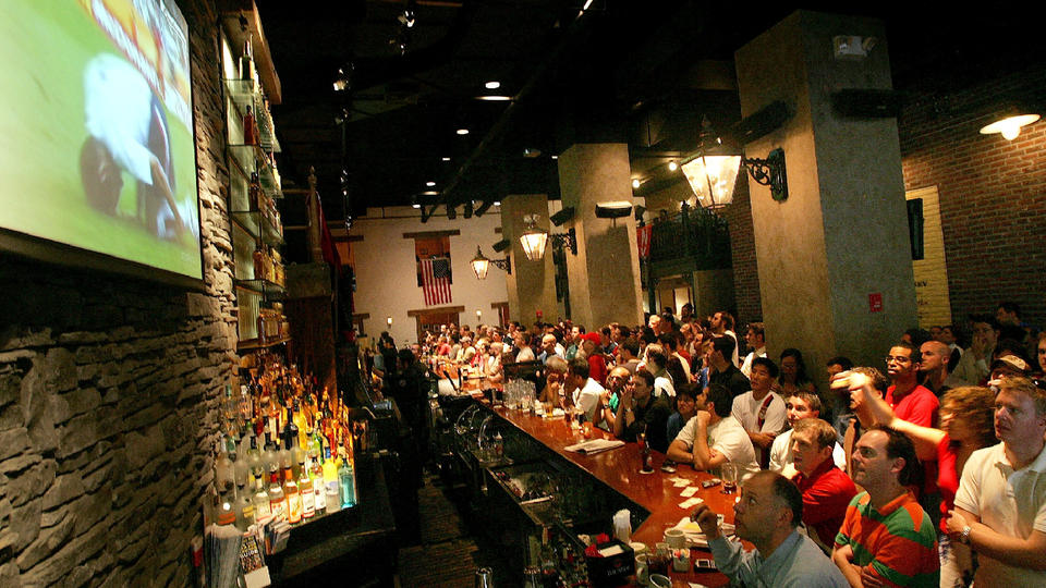 Picture for DraftKings set to open sports betting bar in Detroit