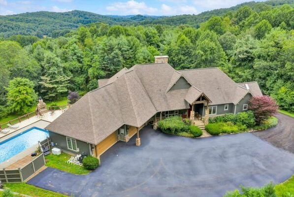 Picture for 5 Bedroom Home in Bent Mountain - $1,150,000