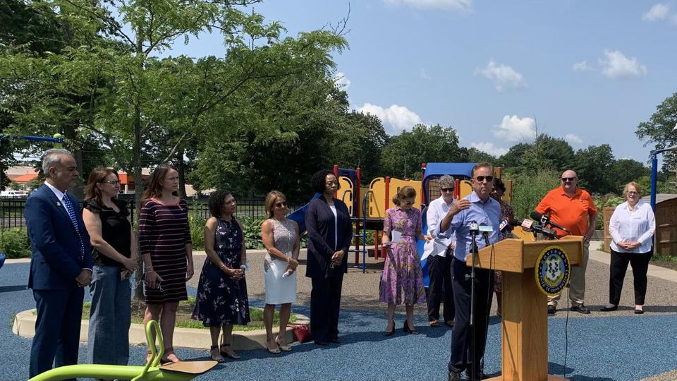 Picture for Connecticut officials encourage families to take advantage of summer enrichment programs aimed at making up for missed classroom time