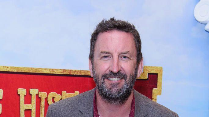 Picture for Lee Mack reveals that after taking cocaine for first time he became obsessed with cleaning a kitchen