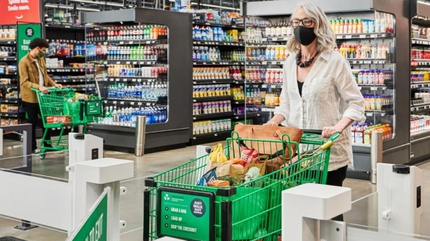 Picture for Amazon opens first full-size cashierless grocery store in Seattle suburb
