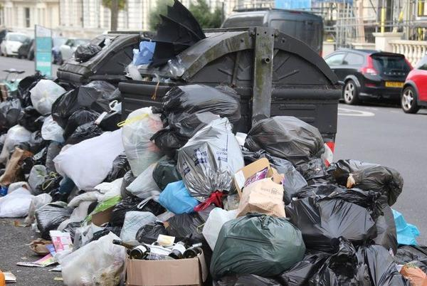 Picture for Brighton bin strike: GMB union agrees deal to end dispute