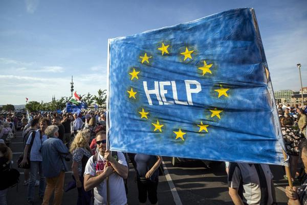 Picture for Is it a bluff? Some in Hungary and Poland talk of EU pullout
