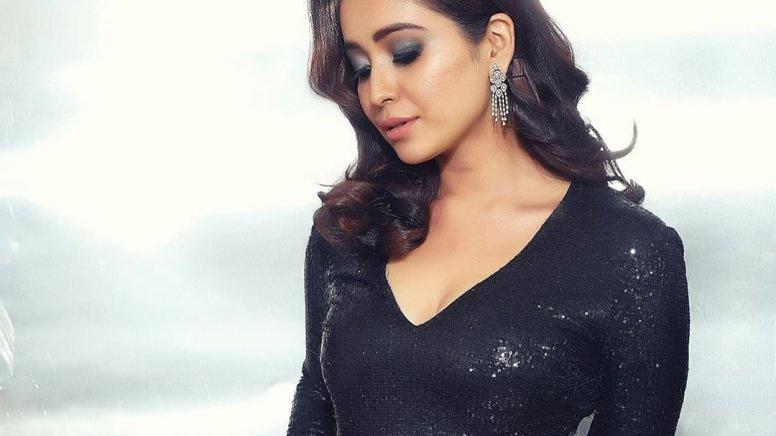 Picture for Asha Negi wants to go on a road trip with Ranbir Kapoor