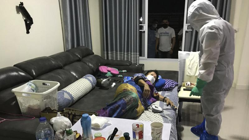 Picture for Thai volunteers aid COVID patients in need of care, testing
