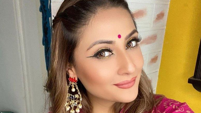 Picture for Urvashi Dholakia can't get over her love for selfies