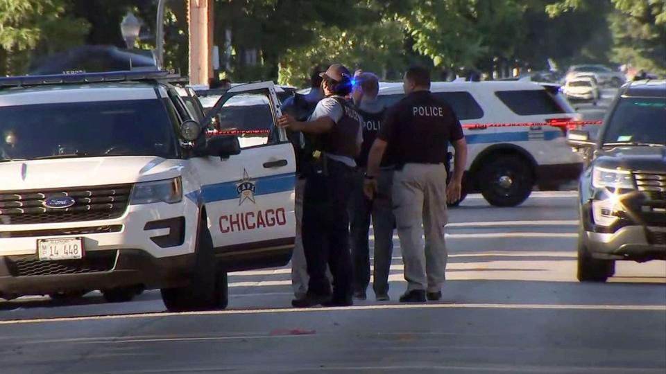 Picture for 'We need help,' mayor says after 4 killed in 2nd mass shooting in Chicago in 4 days