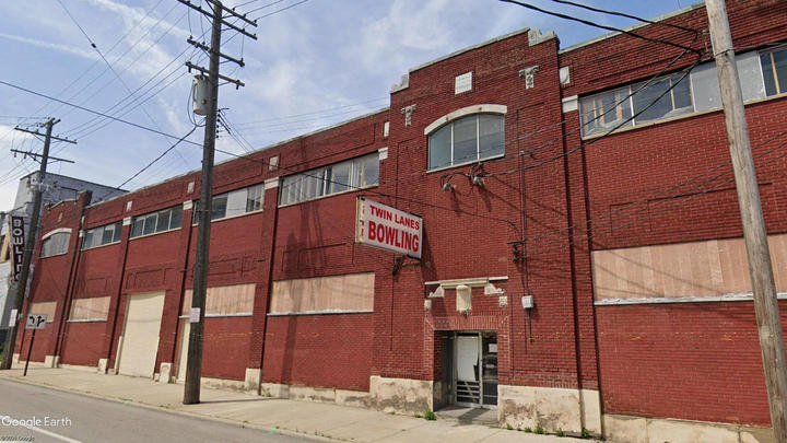 Cover for Near-downtown bowling alley to become entertainment venue