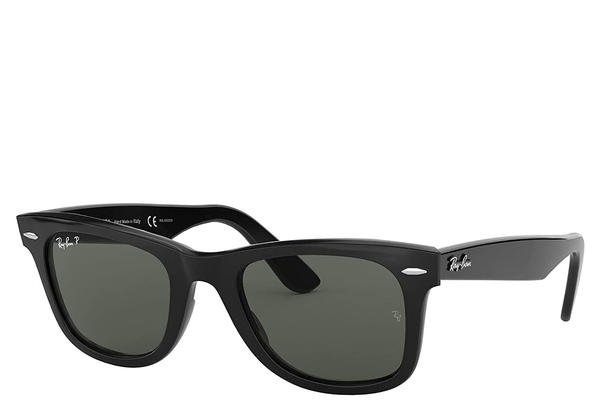 """Picture for Taylor Swift Wore Her Favorite Pair of Classic Sunglasses on TikTok to Promote """"Wildest Dreams"""" — Shop the Exact Style on Amazon"""
