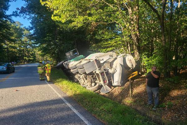 Picture for 1 injured following crash involving school bus in Carrollton