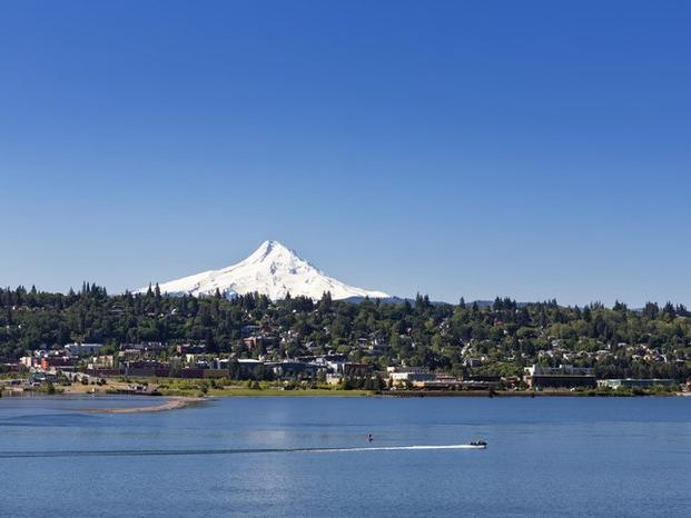 This Weekend Itinerary Is Perfect For Exploring Hood River in Oregon | News Break