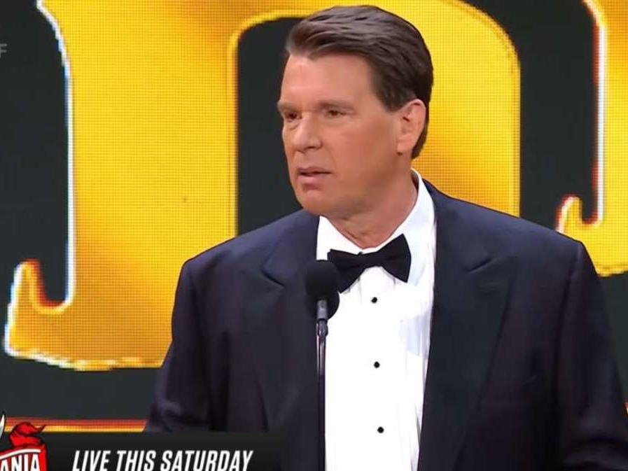 jbl-makes-light-of-bully-accusations-in-wwe-hall-of-fame-speech