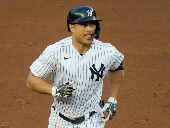 as-giancarlo-stanton-continues-hot-streak-yankees-love-his-mindset-and-preparation